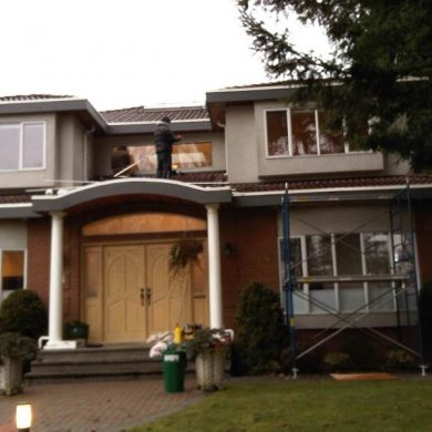 Our window glass replacement services includes, broken window glass replacement, or foggy window glass replacement and custom window glass replacement. it was done in Vancouver west