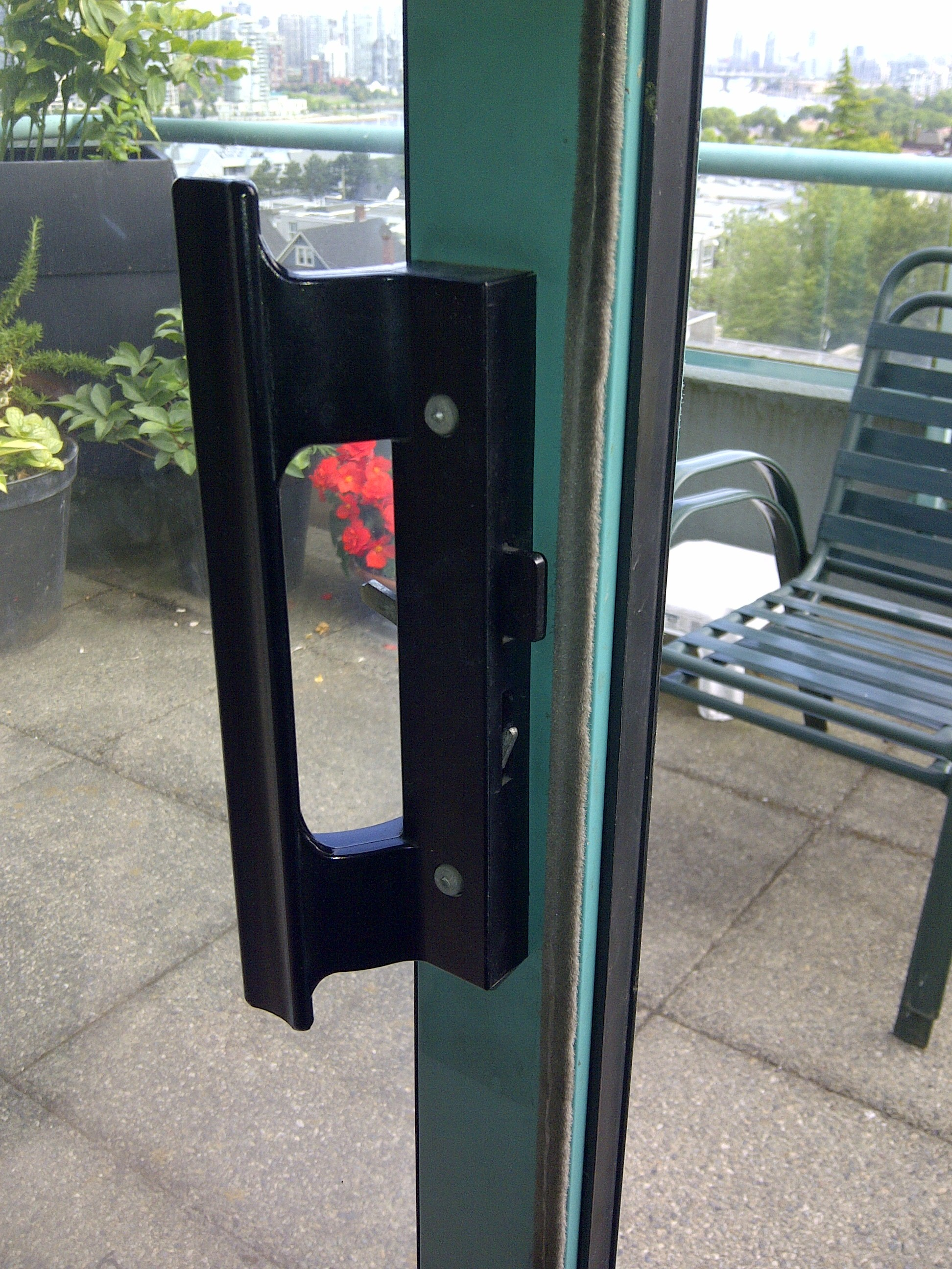 Glass doors repair for residential homes in vancouver bc for Sliding patio door replacement