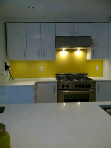 Our backsplash glass services includes, broken backsplash glass repair, replacement backsplash glass, or new backsplash glass installation. Custom backsplash glass. its in Vancouver west