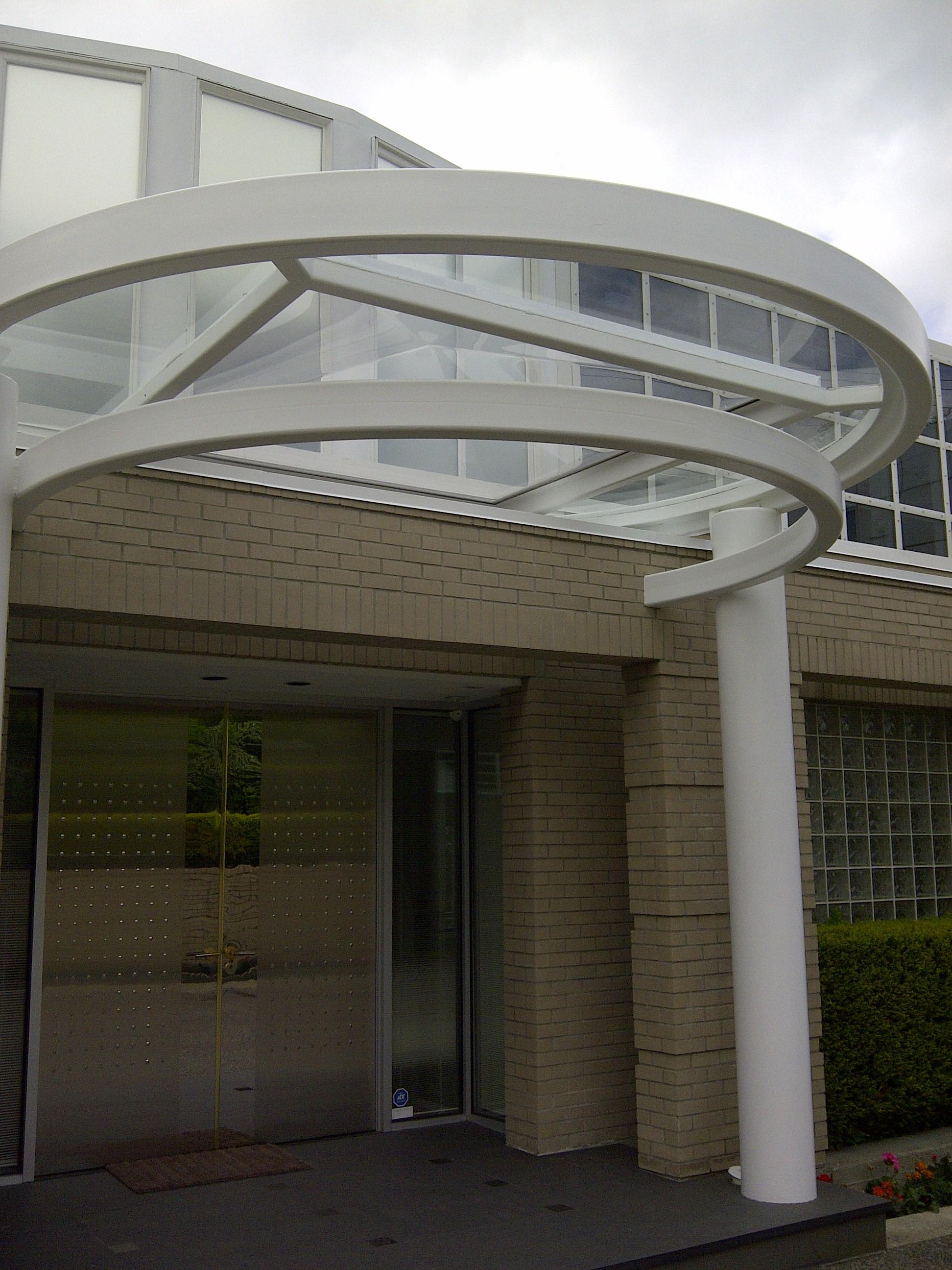 canopy safety glass installation